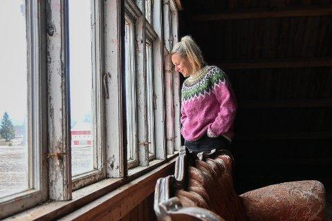 FLYTTET HJEM: Som tenåring hatet Christine Sørby å bo i Odalen. Likevel flyttet hun hjem - og har ingen planer om å dra.
