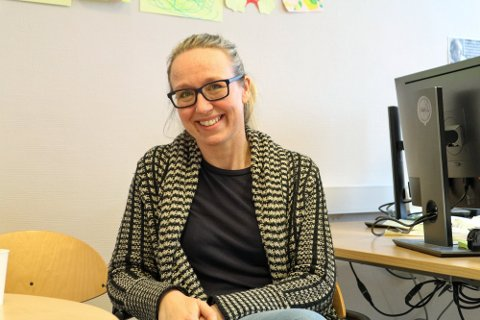 ROS: Kommuneoverlege Camilla Kvalø-Smedtorp er fornøyd med at kaféer og utesteder er flinke til å overholde smitteververnreglene.
