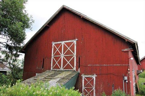 BLIR LEILIGHETER: Denne låven på Holt Gård på Skedsmo skal bli omgjort til fire leiligheter.