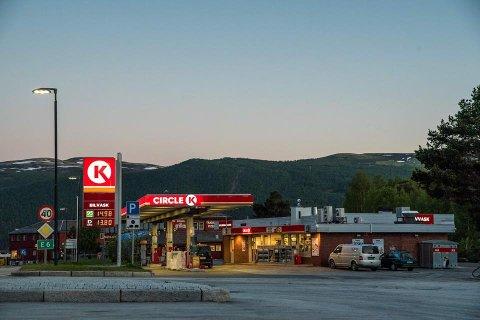 FEIL: Kunder ved Circle K Dombås fikk motorproblemer etter å ha fått feil drivstoff på tanken.