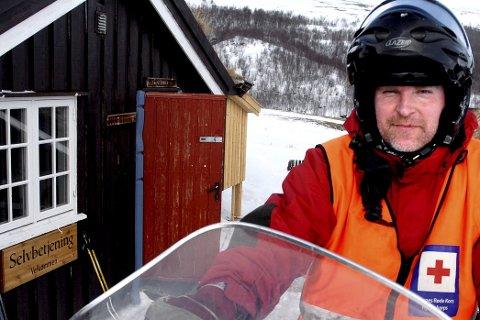 Bjørn Midtskog fra Dombås er instruktør i overflateredning og kjenner Lågen godt. Han advarer mot strømmen i elva.