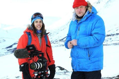 Rebecca Nedregotten Strand forlater NRK til fordel for distriktets nasjonalparker. Her på oppdrag i Jotunheimen sammen med Dag Indrebø.