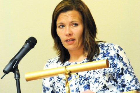HISTORISK: Mariann Skotte (39) kan bli Lesjas første kvinnelige ordfører i et kommunestyre med kvinner i flertall. Onsdag kveld skal Senterpartiet drøfte vegen videre etter valgresultatet. Arbeiderpartiet ønsker et samarbeid. Foto: Vidar Heitkøtter