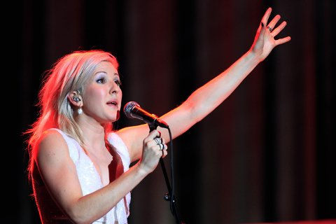 Den britiske popartisten Ellie Goulding slipper unna avhør med politiet etter beltebilulykken i Valdres.