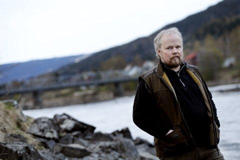 – DRAMATISK: Ferskvannsbiolog og forsker Morten Kraabøl forteller om dramatiske endringer i fiskebestanden. Arkivfoto: Asmund Hanslien