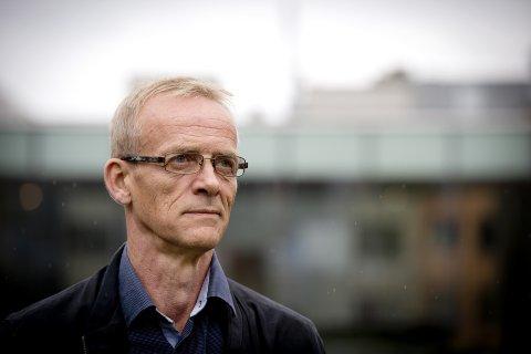 OMSTRIDT: Dekan Thomas Stenderup har fått både kritikk og støtte. Selv om flere vil ha ham bort, søker han på nytt.