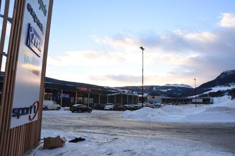 Vinstra Handelspark i Lomoen står ferdig. Den første butikken åpnet onsdag.