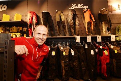 ØKER: Salget av tekstiler med varemerkene Ulvang og Lundhags i vekst, utgjorde i fjor 30 prosent av omsetningen til Swix, fem prosent mer enn året før, ifølge Kjell Magne Sunde.