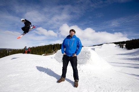 Christian Bråtebekken har vært på mange eksotiske reisemål. Men det var Gudbrandsdalen som lokket til  slutt. Nå er han med og setter rekorder i Hafjell/Kvitfjell.