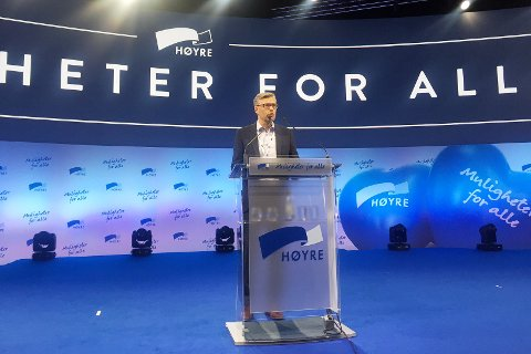 Svein Håvar Korshavn på talerstolen på Høyres landsmøte.