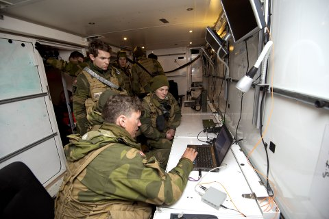 Det er stor økning i antallet søkere til Forsvarets Cyberingeniørskole på Jørstadmoen.