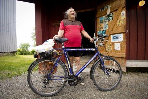 Utrolige langturer: Terje liker ikke biltrafikk og sykler overalt hvor han skal. Gjjerne til Kiruna i nord-Sverige eller en svipptur til Nebbenes for å spise kjøttkaker.