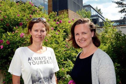 PIONERER: Monica Rønning og Sylvelin Foldøy ved Høgskolen i Lillehammer er de første med mastergrad i miljøpsykologi i Norden. Foto: Inger Stokland
