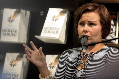 """FÅR KRITIKK: Sanna Sarromaa er midt i lanseringen av boka """"Norske tabuer"""" og var lørdagsgjest i Dagsrevyen i helga. Der falt det noen uttalelser om Lillehammer sentrum som enkelte hadde problemer med."""