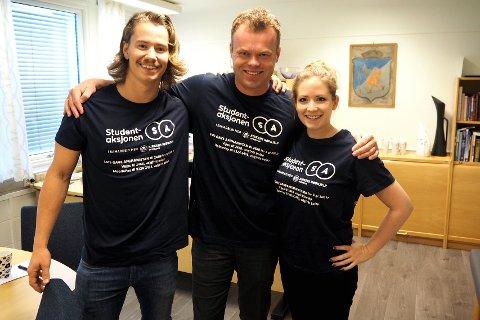 Ordfører Espen Granberg Johnsen er med når Even Moss Lundemo, Liv Runge og studentene aksjonerer lørdag.