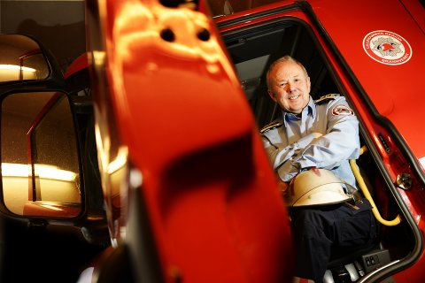 Brannsjef Knut Birger Bakken er glad politikerne endelig vedtok bygging av ny brannstasjon.