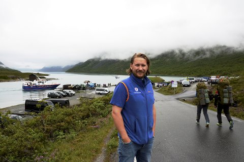FORVENTET STØRRE SATSING:- Slik kan vi ikke ha det, sier Marius Haugaløkken som er vert ved Gjendesheim om mangelen på bredbånd for reiselivetr, spesielt i Nord-Gudbrandsdalen. Arkivfoto