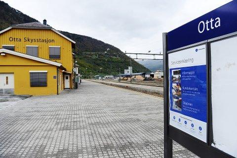 Otta stasjon: Planleggingen av en oppgradering av Otta stasjon er med i neste års statsbudsjett.Arkivfoto