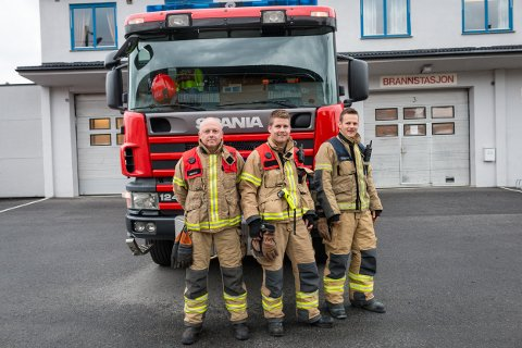Fra venstre: Rune Sørengen, Vegard Dahlsveen, Mads Løkkesveen i Ringsaker Brannvesen.