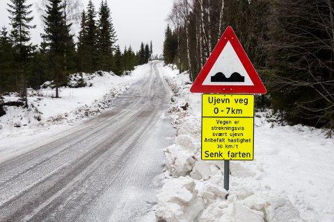 Bilførere klager over tilstanden på Sjøsetervegen i Lillehammer.