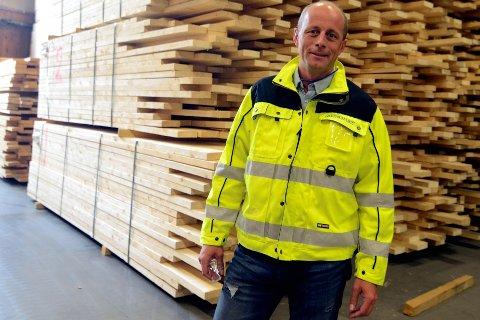 BYGGER I TRE: Moelven Limtre og direktør Rune Abrahamsen skal samarbeide med Hent AS og Buchardt om Mjøstårnet.    Foto: Erik Børresen