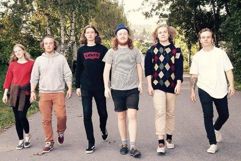 ADATO: F.v. Anna Ueland (Valdres), Boye Pettersbakken (Toten), Per Kristian Moen (Øyer), Emil Karlsen (Toten), Jonathan Stødle (Lillehammer) og Ola B. Reistad (Gausdal).