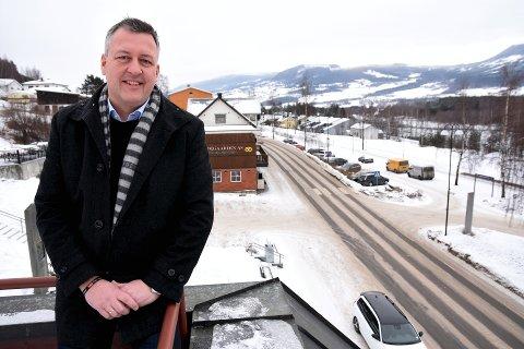Ordfører Rune Støstad mener Nord-Fron kommune må kaste seg med på mulighetene til å bli universitetskommune, i et samarbeid med NTNU.