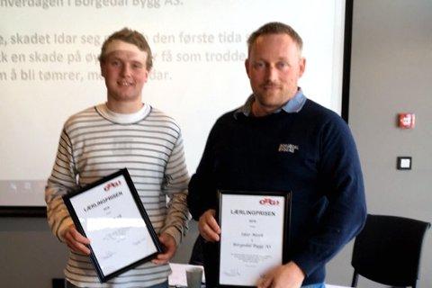 PRIS: Idar Mork (t.v) er kåret til årets lærling. Her sammen med daglig leder ved Borgedal Bygg, Tor Sverre Borgedal.