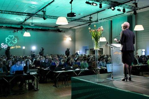Liv Signe Navarsete på talerstoeln på senterpartiets landsmøte.  Foto: OLE MARTIN WOLD / NTB scanpix