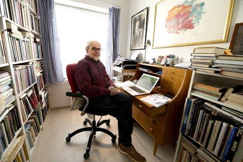 Forfatter og journalist Oddvar Rakeng kommer til Vinstra for å være gjest under For Hatten-arrangementet.