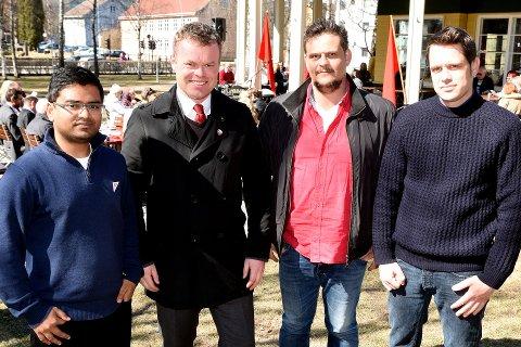 ROPER VARSKU: Mizanur Rahaman fra SV (f.v.), Espen Granberg Johnsen Ap, Lasse Neri Aklidou Rødt, og Svenn Arne Lie fra Norsk Bonde- og Småbrukarlag.