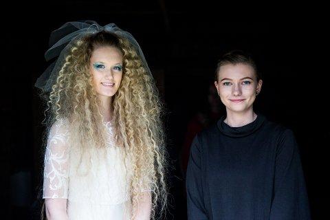 VAKKER BRUD: Malin Lindstad Gullberg har designet denne brudekjolen, som ble vist under kongeparets hagefest på Maihaugen.