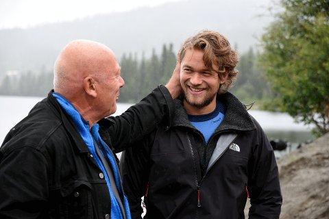 BEGEISTRET SAMSPILL: Skuespillerne Jakob og Nils Ole Oftebro spiller Peer Gynt på Gålå denne sommeren. De er begeistret over å få dele rollen og gleder seg stort over å få stå på scenen sammen.