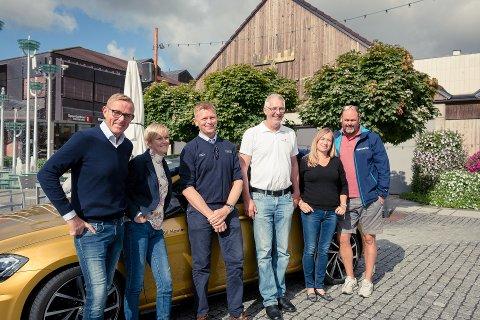 //FÅ M ALT// –VELKOMMEN: F.v. Tor Rullestad, Bente Ekeberg Bodin, Sveinar Kristiansen, Per Amb, Bjørg Mykløy og Espen Bjørkheim.Pressefoto
