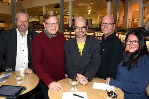 DEBATT: Onsdag kveld var det valgdebatt i Lillehammer bibliotek. Ivar Odnes (Sp, f.v), Even Aleksander Hagen (Ap), Hans Olav Lahlum (SV), Kjetil Kjenseth (V), og Kari Anne Jønnes (H.).