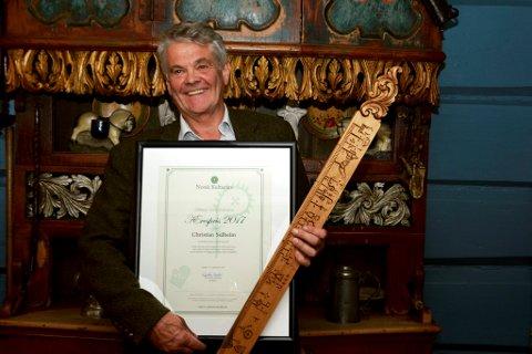 Ein stolt og audmjuk vinnar av Norsk kulturarvs ærespris for 2017, 24 år etter at han stifta organisasjonen.