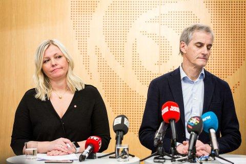 Partileder Jonas Gahr Støre og partisekretær Kjersti Stenseng.