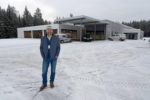 NYTT NASJONALT KJØRETØYHISTORISK MUSEUM: Det siste året har et helt nytt museum reist seg på Hunderfossen, tegnet og oppført av lokale aktører, forteller museumsdirektør Geir Atle Stormbringer.
