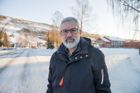 Rune Nilsson fra Øyer mener bomfrie sideveier i forbindelse med utbyggingen av E6 vil føre til økt trafikk. Han er bekymret for trafikksikkerheten, blant annet på Fylkesvei 312 som går fra Ensby til Øyer sentrum.