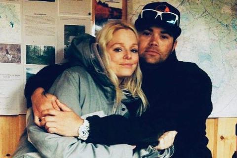 Live Stasviken og samboeren Ståle Vollan fikk en dårlig start på julefeiringa da hun ble presset av veien av et eldre ektepar torsdag.