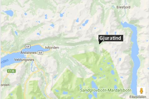To lillehamringer utløste et snøskred ved Gjuratind i Romsdalen onsdag. En mann ble lettere skadet.