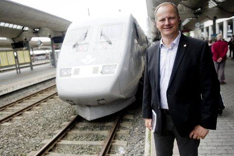 SKANDALE: Statsråd Ketil Solvik-Olsen (Frp) bruker milliarder som velgeragn.
