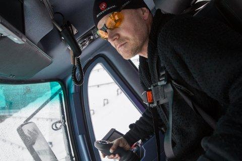 Roy Vangli preparerer Lysgårdsbakkene i Lillehammer før hoppkonkurransen Raw Air 12.-13. mars.
