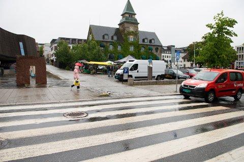 Studentene inntar byen, og Stortorget skal brukes til konsert onsdag og lørdag. Dermed må folk finne et annet sted å parkere fram til søndag.
