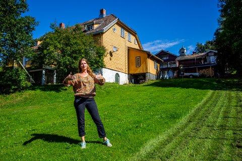 Restaureringen av kapteinsgården Bauker i Gausdal er i gang.