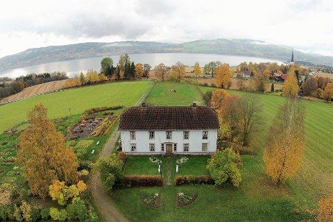 Høstens vakreste eventyr er like rundt hjørnet på Sveinhaug.