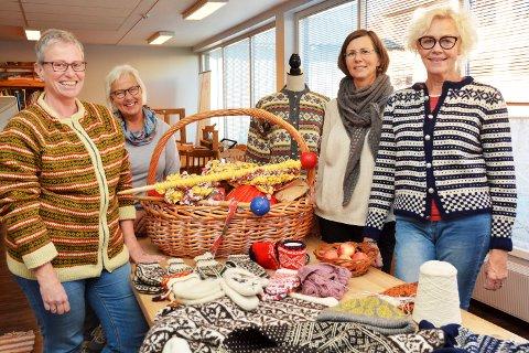 ARRANGØRER: Anne-Mette Amble, Randi Myhre, Lise Skoug Obel og Nina Haugen Storhaug i Lillehammer Husflidslag ønsker velkommen til historiens første strikkefestival i Lillehammer.