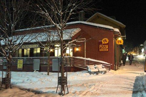 FORNØYD: Leder Christian A. Eckbo ved Pizzabakeren i Lillehammer jubler blant annet for at næringslivet bruker dem i større grad enn tidligere.