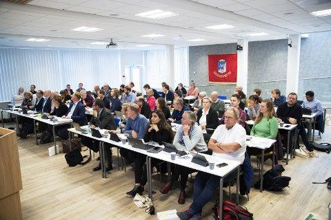 PENGELENS: Det nye kommunestyret i Lillehammer får en tøff høst. Det gjør også andre lokalpolitikere.