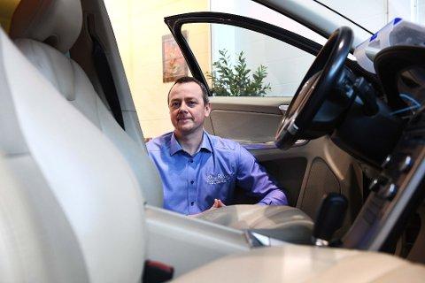 Odd Erik Bergheim er ny daglig leder på Øya Bil på Otta. Han har jobbet i bilbransjen så å si hele livet.
